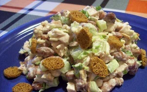 Салат с плавленным сыром и курицей - 7 рецептов с фото пошагово