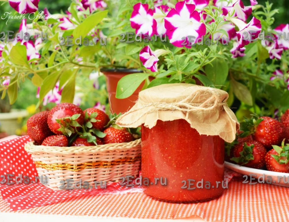 Протертая клубника с сахаром на зиму. пошаговый рецепт