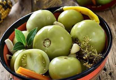 Зеленые маринованные помидоры на зиму — очень вкусные рецепты!