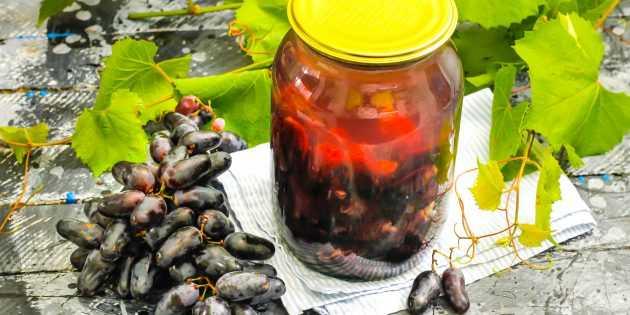 Как варить компот из винограда: традиционный рецепт, и что получится, если в банку добавить апельсин или шиповник
