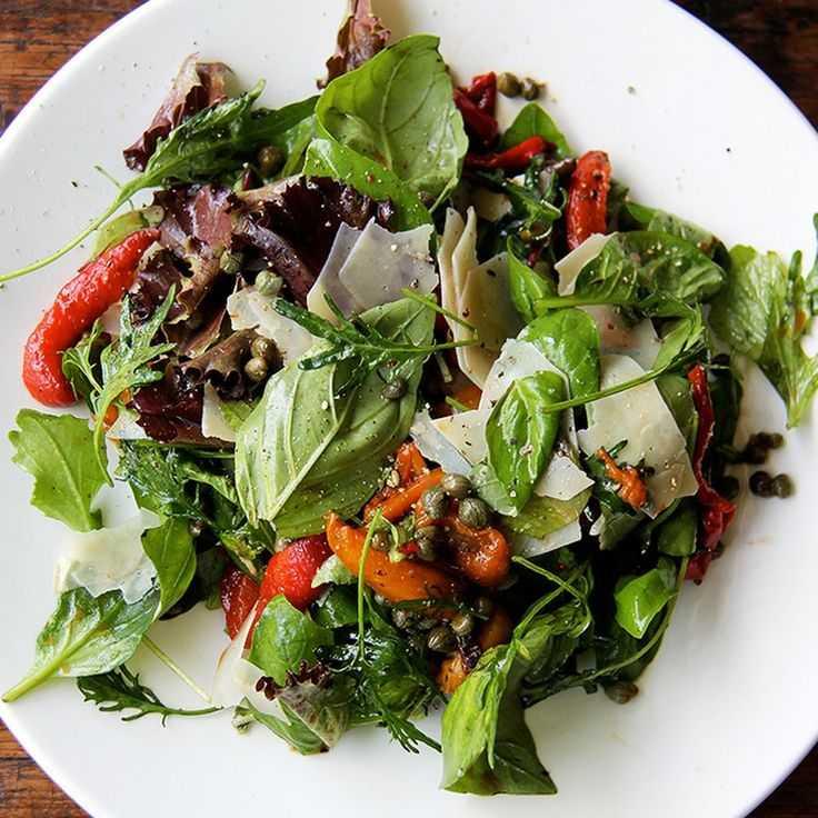 Салат из помидоров с базиликом. - я не повар, я только учусь. - страна мам