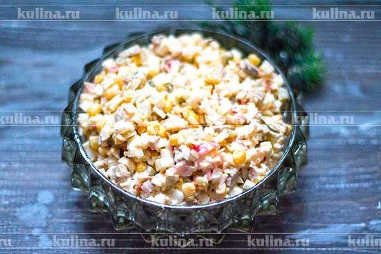 Сытно и вкусно — готовим салат с крабовыми палочками и грибами