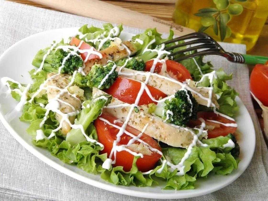 Салат с брокколи: рецепты