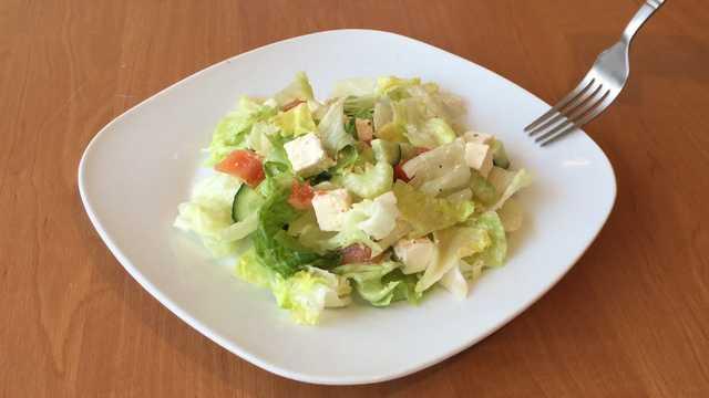 Салат с сыром фета и помидорами рецепт с фото пошагово и видео - 1000.menu