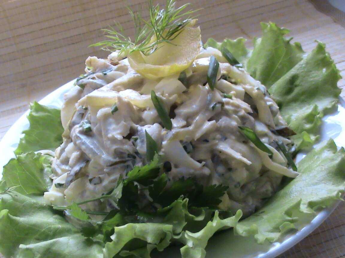 Салат с курицей и грибами: 12 вкусных рецептов приготовления
