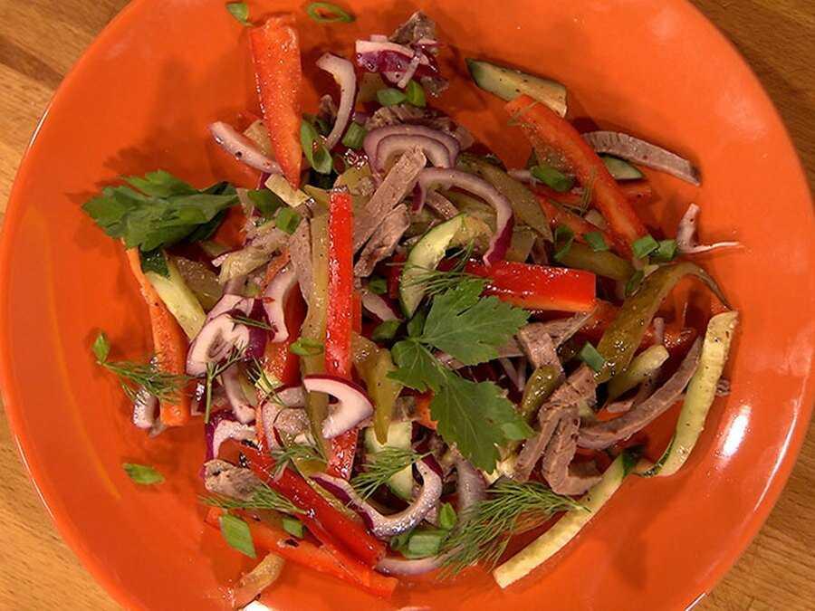 Салат из говядины и солёных огурцов рецепт с фото пошагово - 1000.menu