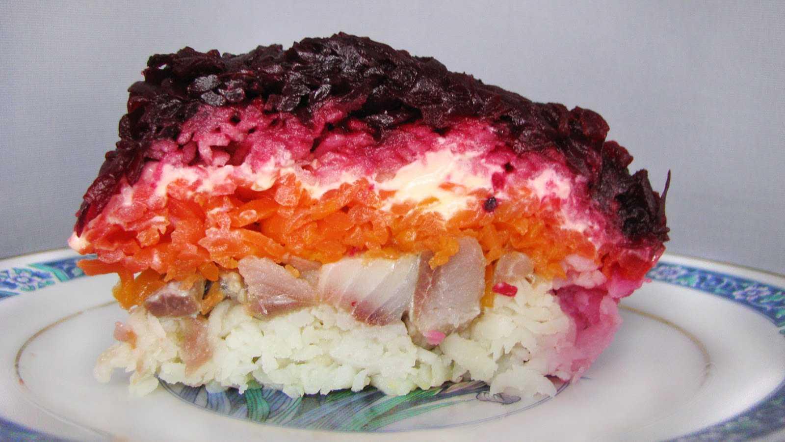 """Салат """"царский"""" с семгой — 4 рецепта с красной икрой"""