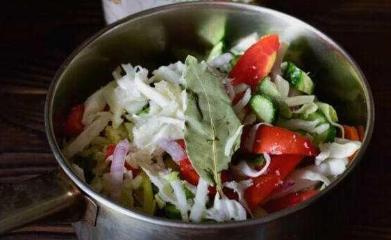 Горячий охотничий салат рецепт - 1000.menu