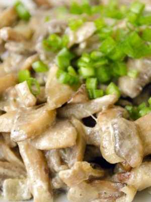 Говядина с шампиньонами в сливочном соусе: рецепт приготовления