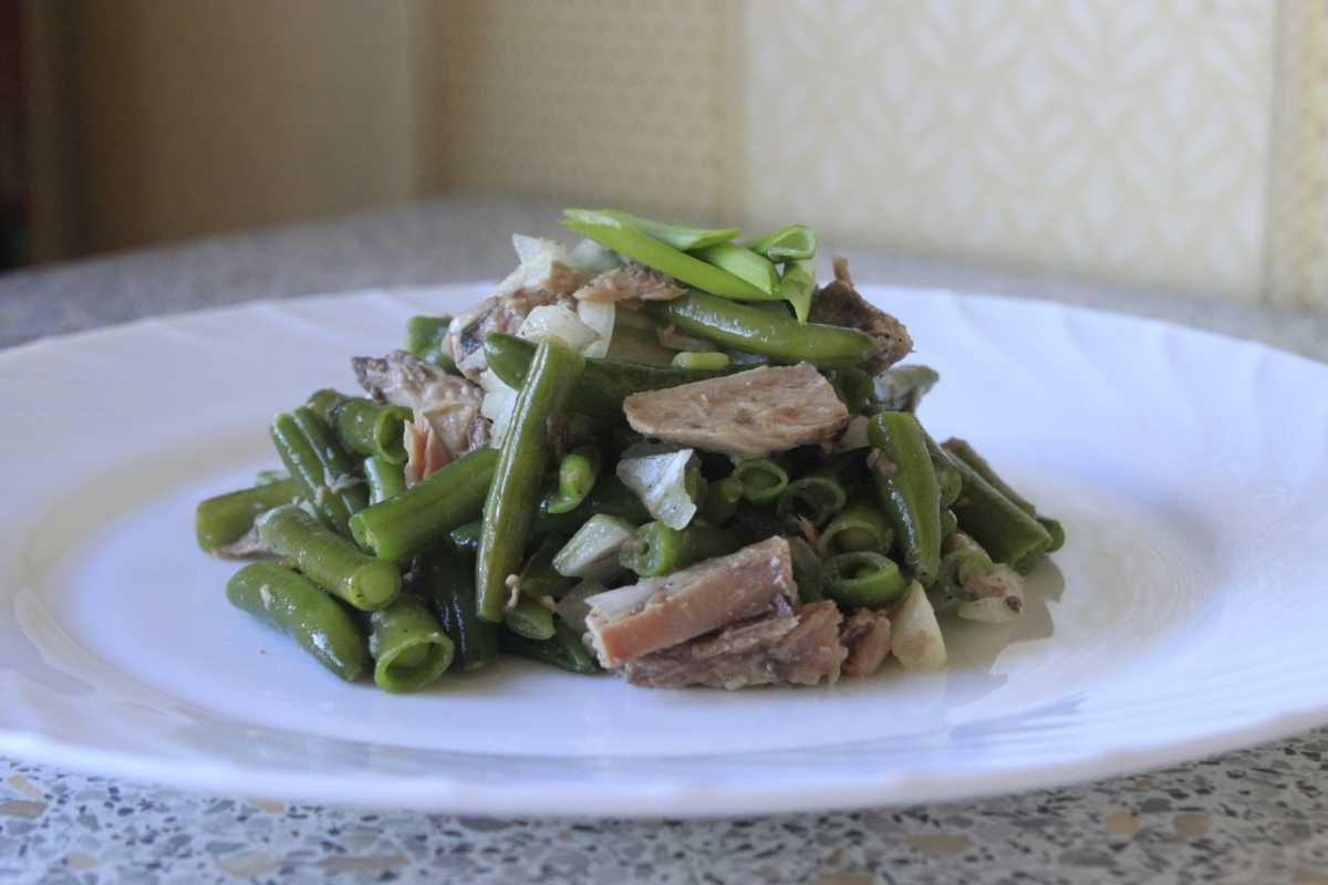 Салат с тунцом и фасолью – оригинальное сочетание: рецепт с фото и видео