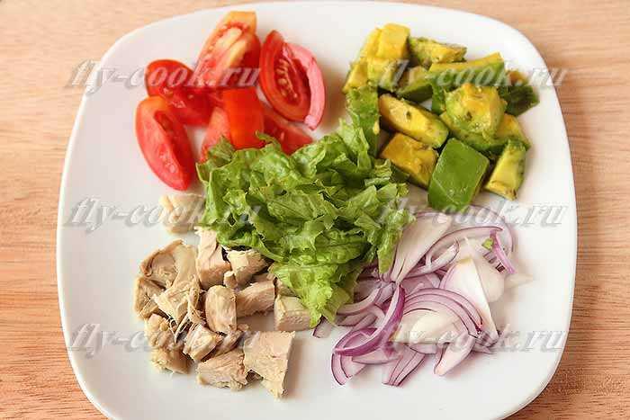 Простые и вкусные салаты с авокадо —  8 рецептов с пошаговыми фото