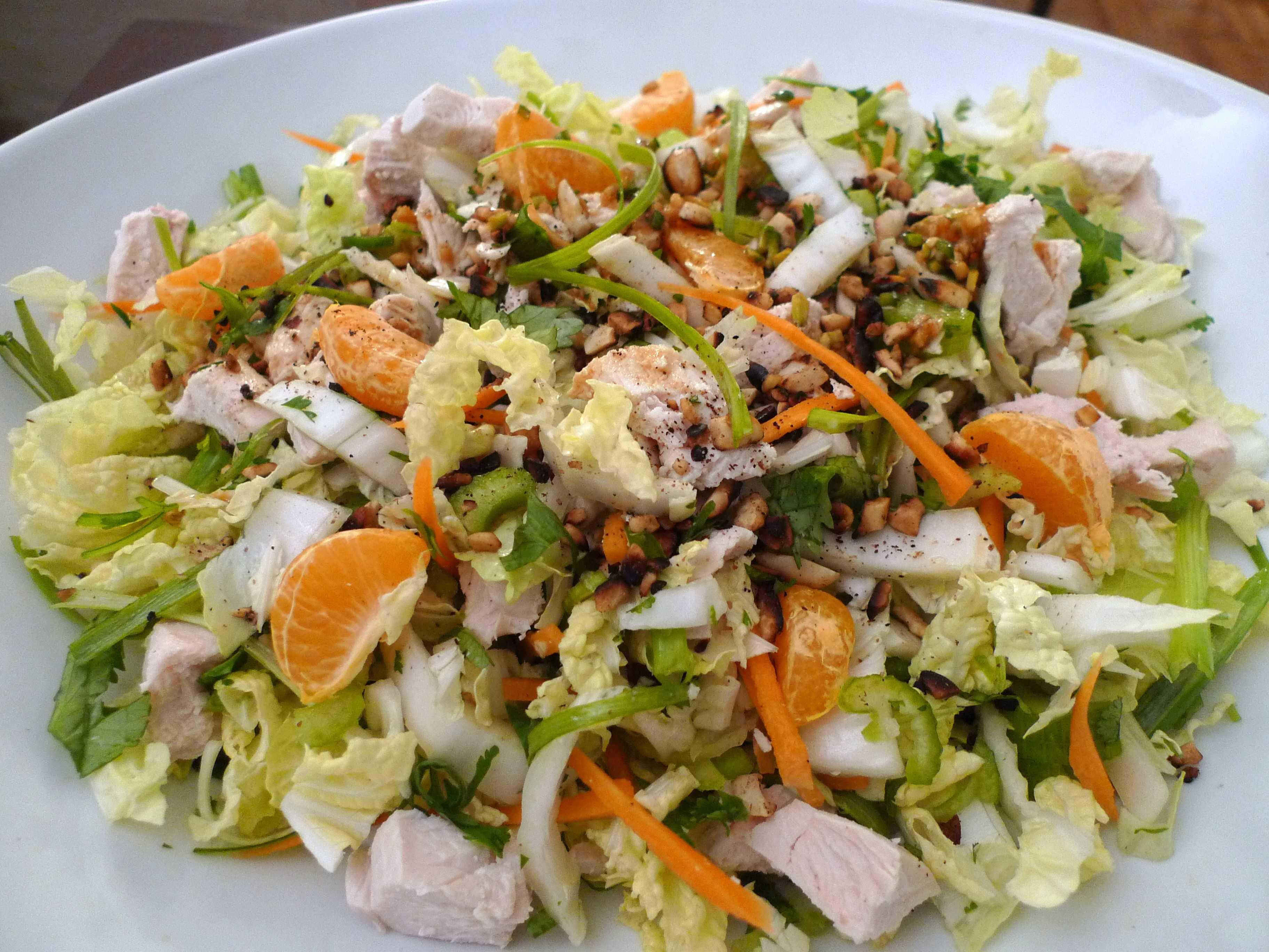 Салат с курицей, ананасами и пекинской капустой рецепт с фото пошагово и видео - 1000.menu